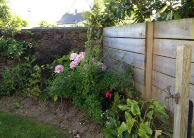 69250 Neuville sur Saône réalisation d'une clôture palissade au bout du jardin