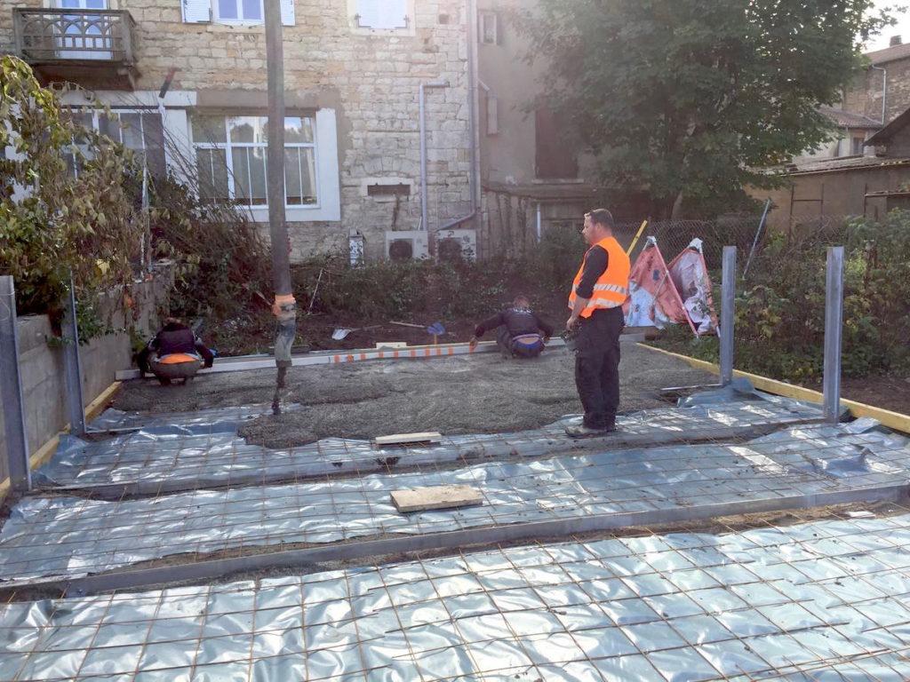 Réalisation d'une dalle béton pour piscine hors sol à Belleville sur Saône
