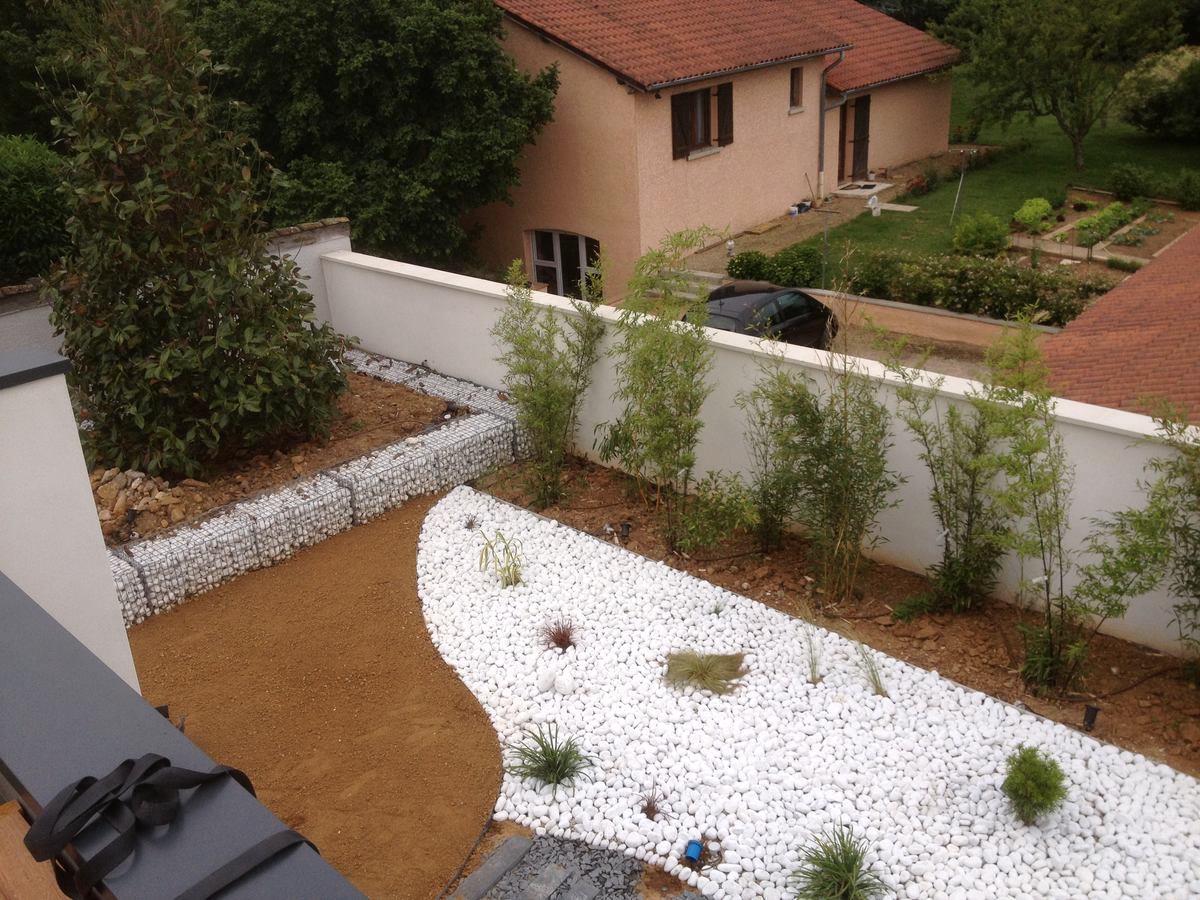 Réalisation d'un jardin zen minéral Saint Didier de Formans 01600