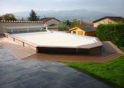 Terrasse de piscine hors sol en composite à Genay 69730